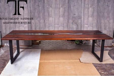 Luara dining table
